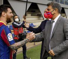 رئيس برشلونة يزف خبرا سارا لجماهير فريقه بشأن ميسي