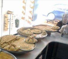 الجيوب خاوية على عروشها... والمواطن ينسف فكرة شراء الحلويات في العيد!.