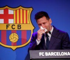 ميسييودع برشلونة بالدموع ويكشف عن ناديه الجديد
