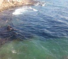 رصد بقع تلوث بمادة الفيول  المتسربة من أحد خزانات محطة بانياس الحرارية على شواطئ جبلة