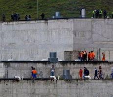 مقتل أكثر من مئة سجين في مواجهات بالأسلحة النارية داخل سجن في الإكوادور