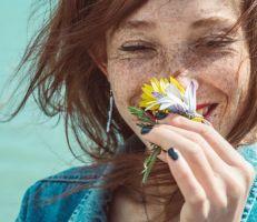 دراسة تبحث استخدام فيتامين (أ) لعلاج فقدان حاسة الشم المرتبط بكورونا