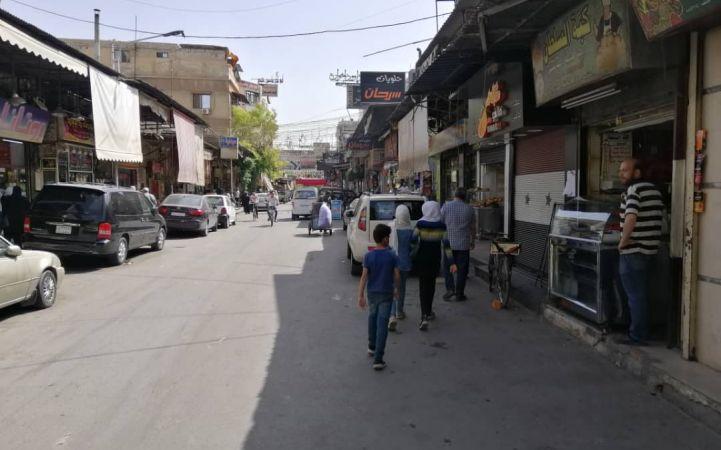 """""""سوق الجزماتية""""... رمضان لم يمرَّ من هنا!"""